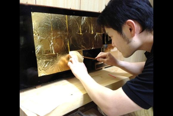 Learn the Art of Gilding Gold on Altars - 0