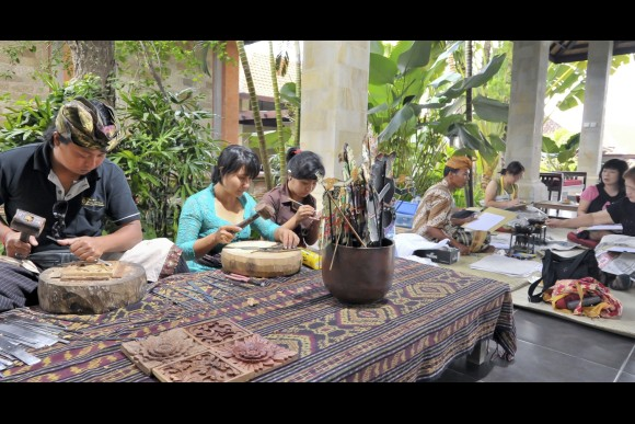 Wood Carving Lesson in Central Ubud  - 0