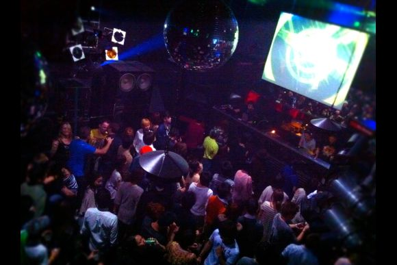 Go Clubbing with a Tokyo Insider! - 0