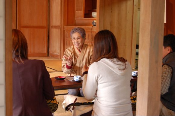 Make Okinawa soba and Learn Sanshin at Local Home in Okinawa - 0