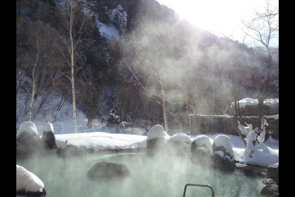Try a natural onsen with snow view & stay overnight, Nagano - 0