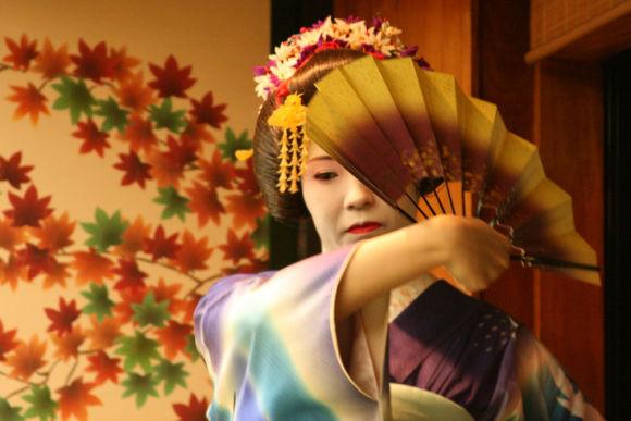 10% OFF Geisha Performance with Dinner & Kimono Rental,Tokyo - 0