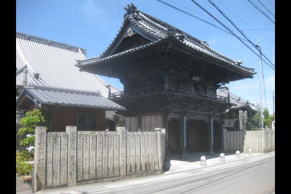 Enjoy cycling tour of the historical town Kokufu, Tokushima! - 0