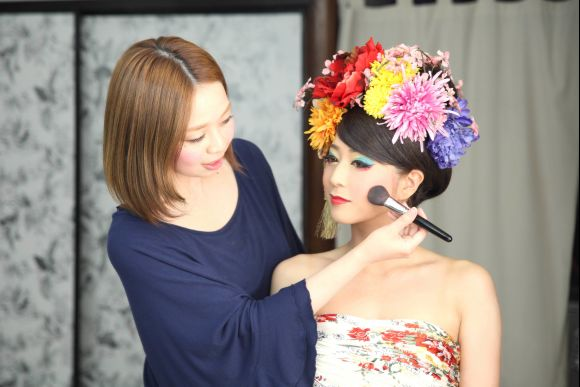 Get a photo session dressed in Japanese Oiran kimono, Kyoto - 0