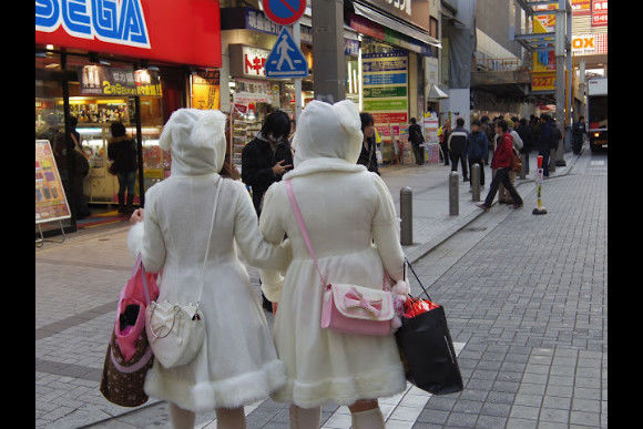 Go Shopping with Japanese Lolitas! - 0