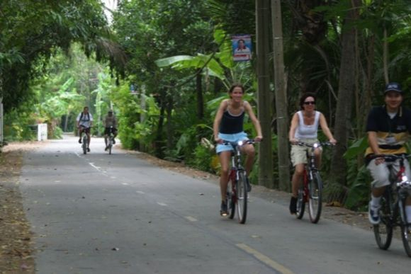 See the sights and sounds of Bangkok on a bike - 0