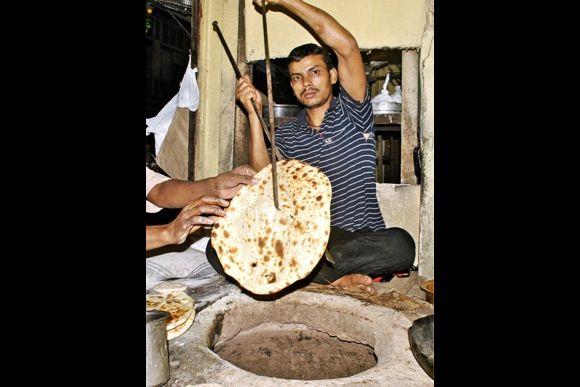 Food Walk in Old Delhi: Chaat, Lassi, Jalebi, Kulfi and more - 2