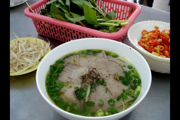 Discover Vietnamese Family culture and Taste Vietnamese Food - 3