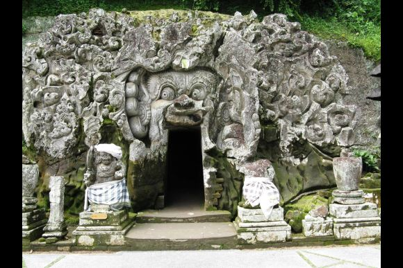 Visit Bali's Famous Sites with an Experienced Bali Guide - 0