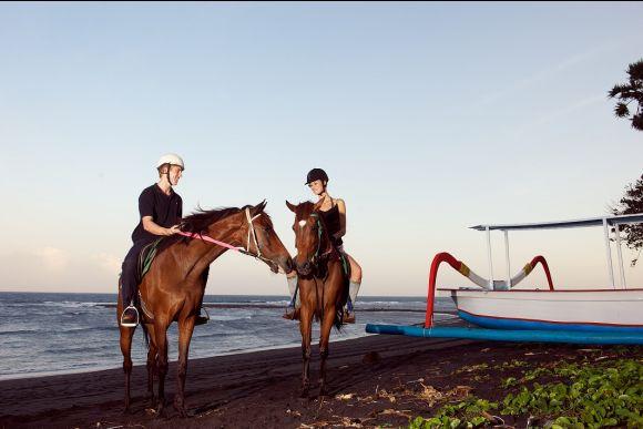 Full Day of Fun: Volkswagen Safari, Horseriding, Rafting - 2