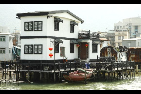 Explore Tai O Fishing Village, its Temples & Streetlife - 2