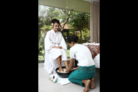 Beautifying Spa Package (Facial, Massage, Hair) - 2