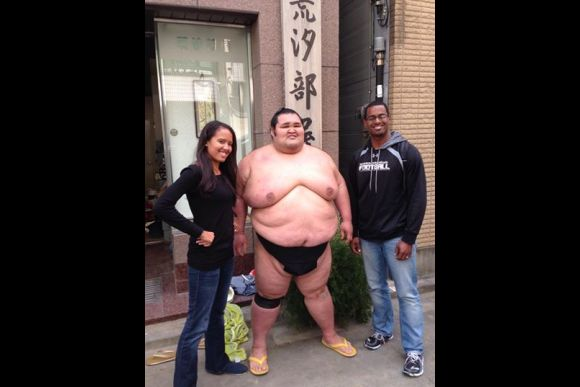 Watch Sumo Morning Practice in Ningyo-Cho (near GINZA) - 0