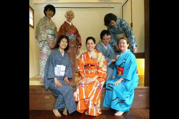 Learn to Wear a Traditional Kimono in Meguro, Tokyo - 4
