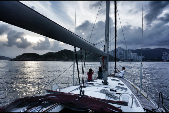 Go Luxury Sailing in Hong Kong - 4