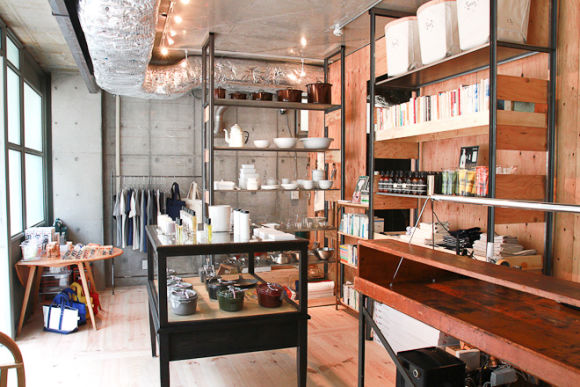 Chill with a local guide in Nakameguro, a hidden cozy area  - 0