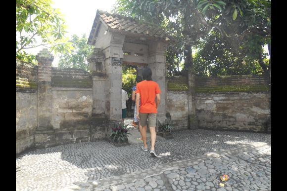 Explore Bali with a Female Guide - 4