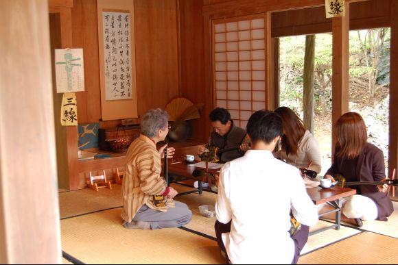 Make Okinawa soba and Learn Sanshin at Local Home in Okinawa - 3