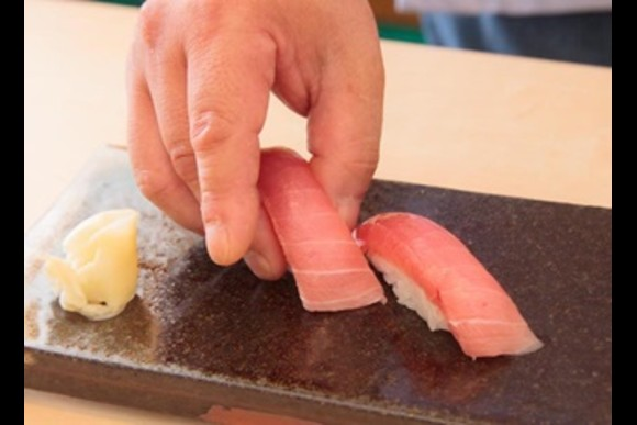 Take a Sushi making lesson with beef hot pot for Lunch - 1