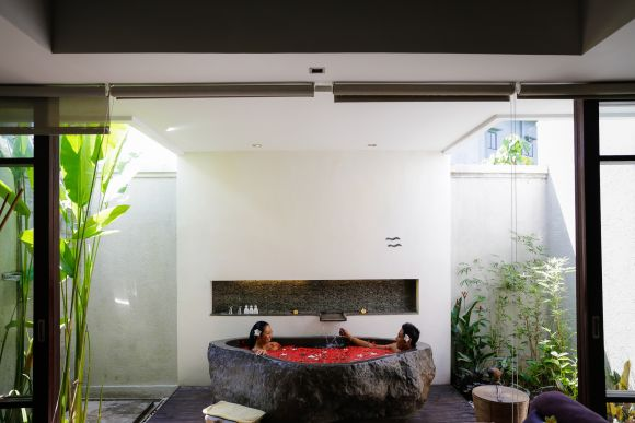 2 Hour Yoga & Massage Therapy Session in Seminyak - 4