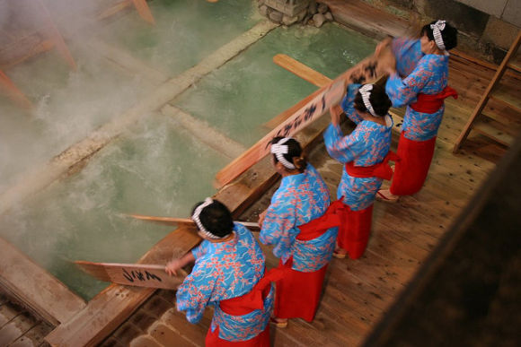 Visit Kusatsu and take a relaxing dip in the hot springs! - 3