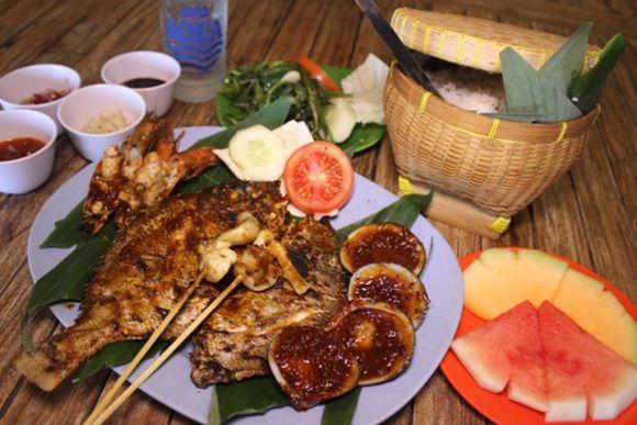 Kecak Dance & Seafood Dinner : Uluwatu Sunset Tour - 1
