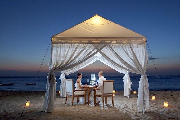 Romantic Candlelight Dinner On The Beach Around Kuta - 1