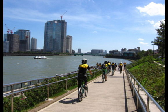 Cycle around Tokyo with an electric bike and a camera - 0