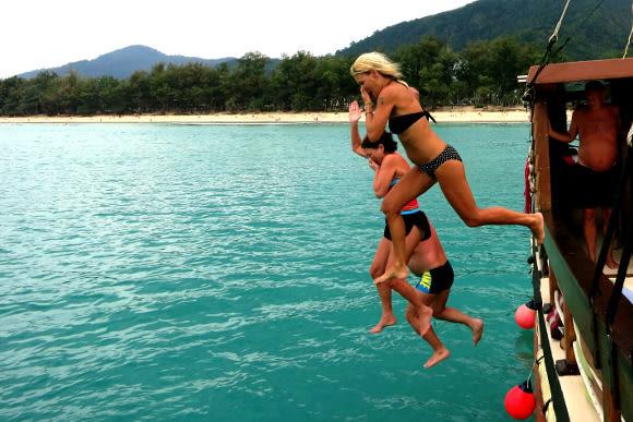 Phuket Day Tours to Maya Bay: La Moet's Phi Phi Island Tour - 2