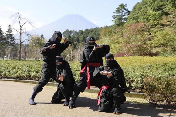 Enjoy 1-Day Bus Tour to Mt.Fuji & Meet Ninja from Tokyo! - 1