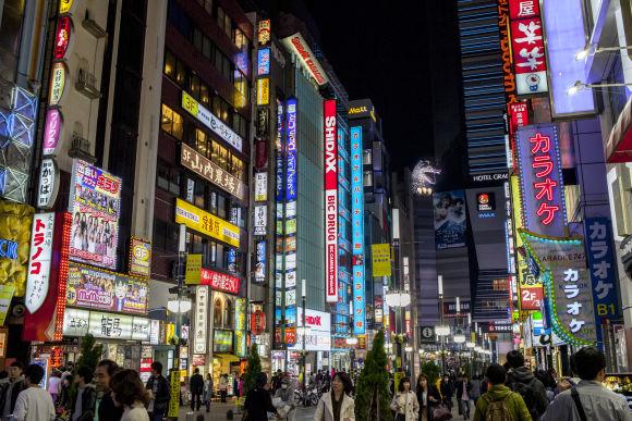 Kabukicho and Shinjuku Golden Gai Night Tour - 5