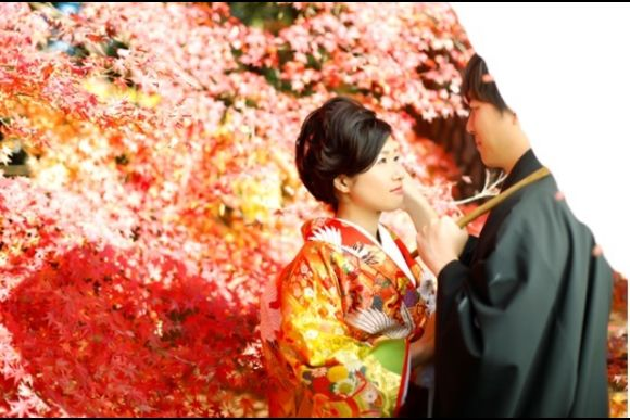 Take Wedding Photos in Kyoto in Kimono and Visit a Cafe! - 0