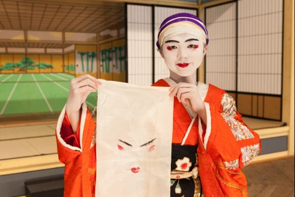 Experience dressing up as a kabuki actor in Gifu - 4