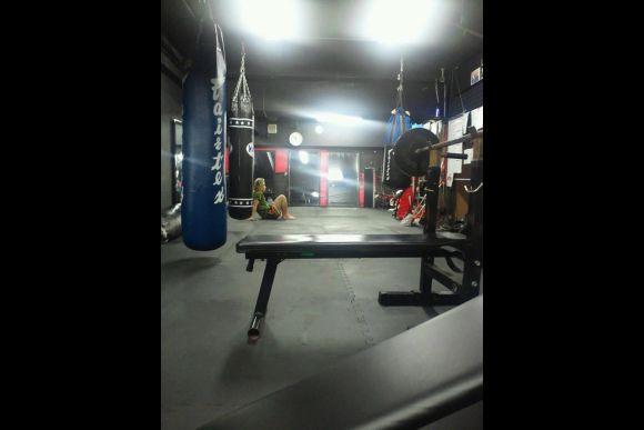 Practice kickboxing in Tokyo - 1