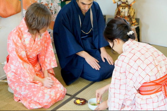 Enjoy Koto and Sanshin lessons & tea ceremony experience! - 2