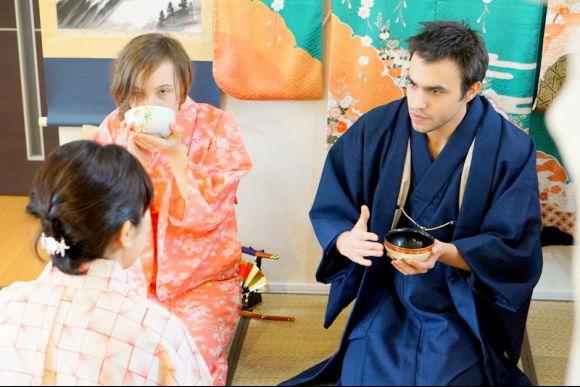 Enjoy Koto and Sanshin lessons & tea ceremony experience! - 3