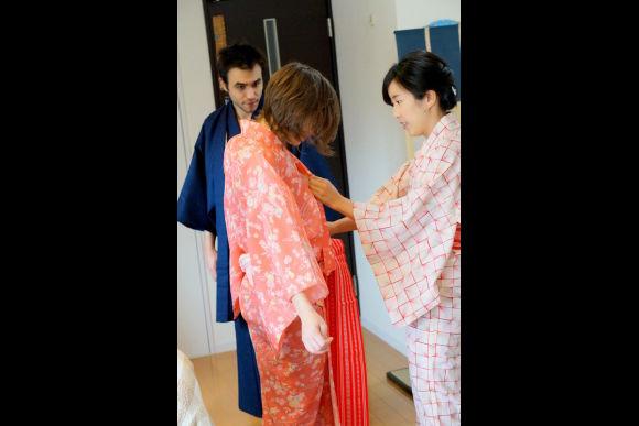 Enjoy Koto and Sanshin lessons & tea ceremony experience! - 4
