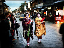 Enjoy a Walking & Taxi Tour of Kyoto!