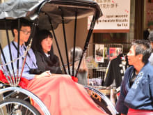 Enjoy a historical rickshaw tour in Asakusa with Ebisuya!