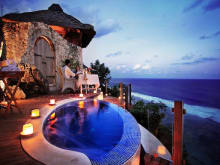 Romantic Candlelight Dinner and  Spa Overlooking a Cliff