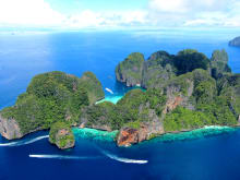 Phuket Day Tours to Maya Bay: La Moet's Phi Phi Island Tour