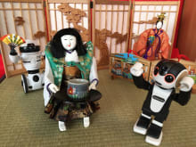 See a traditional tea-serving robot & latest robots, Nagoya