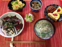 Enjoy a market tour and Japanese home cooking in Osaka!