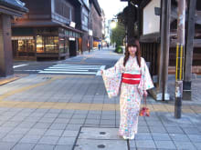 Rent a kimono near Kyoto Station and wear it for a day