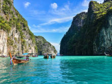 40% OFF Phi Phi Island Tour by Speedboat: Visit Maya Bay