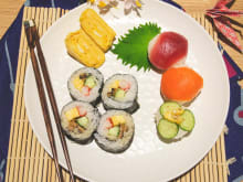 25% OFF Tsukiji Fish Market Tour and Sushi Roll Class