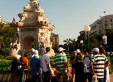 ムンバイで「白人の街」といわれた城塞の中を歩く