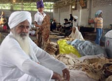 Visit the Sikh Temples of New Delhi