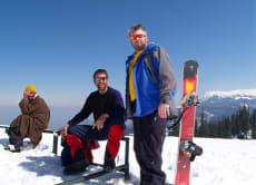 カシミールの絶景を眼下に、ヒマラヤでスノーボード!