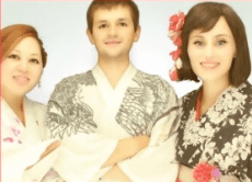Wear a Kimono and Take a Sticker Photo in Osaka